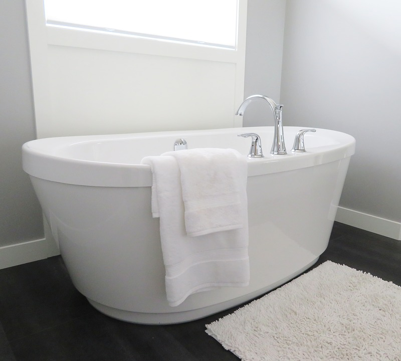bathtub-2485957_960_720